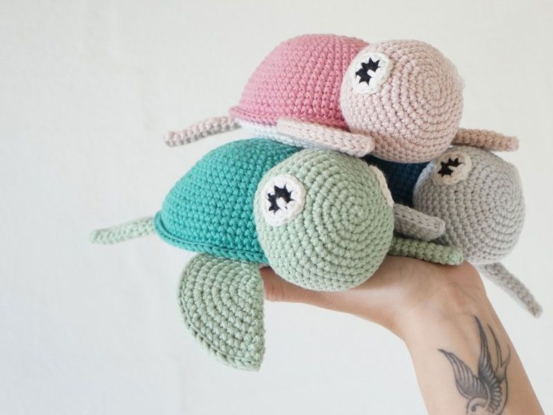 Crochet Turtle Toy Free Pattern #crochetturtles