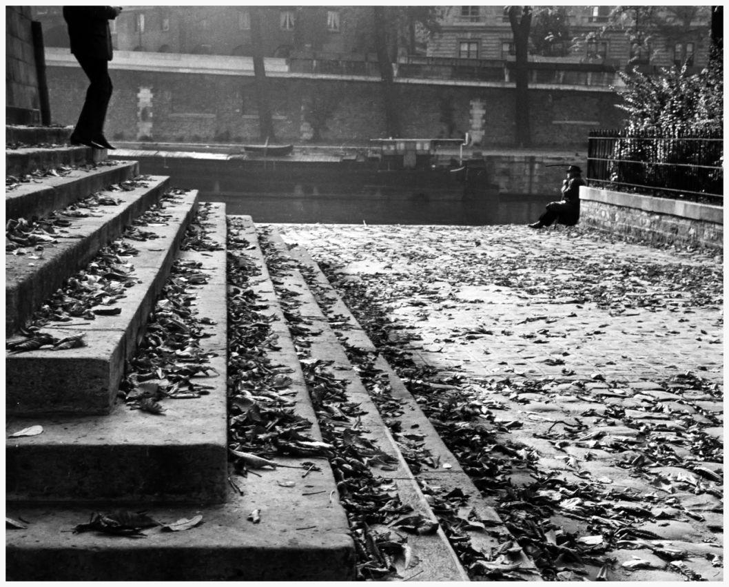 andrc3a9-kertc3a9sz-vert-galant-on-a-fall-afternoon-1963