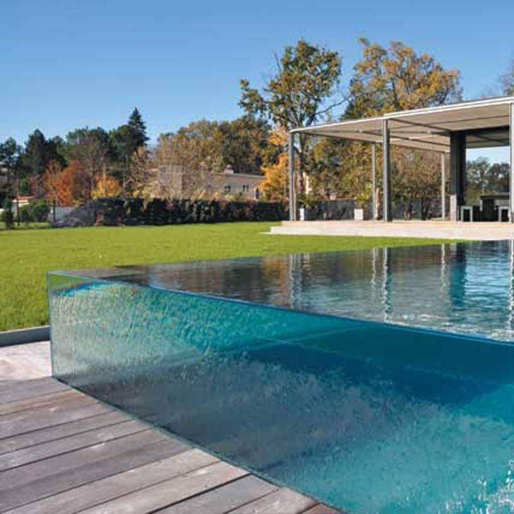 Piscine avec paroi en verre aquarium pinterest paroi - Deco jardin piscine ...