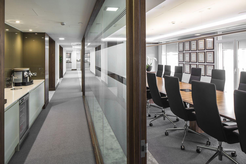TAA_002 Corridor & Boardroom