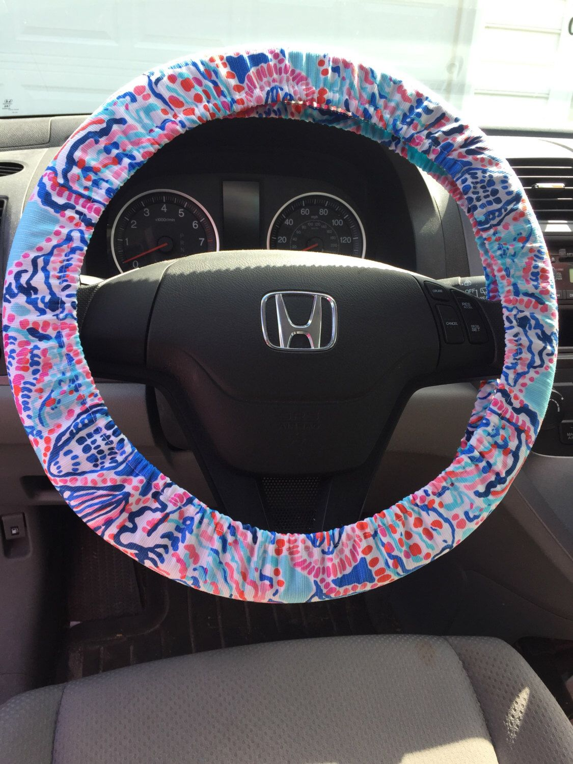 Wondrous Steering Wheel Cover Made With Lilly Pulitzer Multi Shell Me Alphanode Cool Chair Designs And Ideas Alphanodeonline