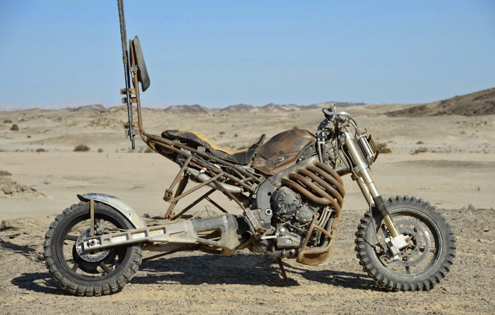 Inspiration Post Apocalyptic Moto Rusted Metal Mad Max Motorcycle Mad Max Fury Road Mad Max Fury