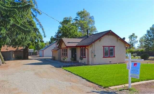 Lovely 2bd/2ba home w/2-stall horse barn for sale in Lodi, CA was completely remodeled inside & out. Check it out!