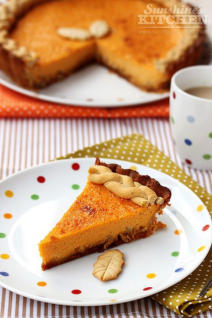 What a delightful little braid of pastry on this lovely Pumpkin Pie. Kicks it up a little<3