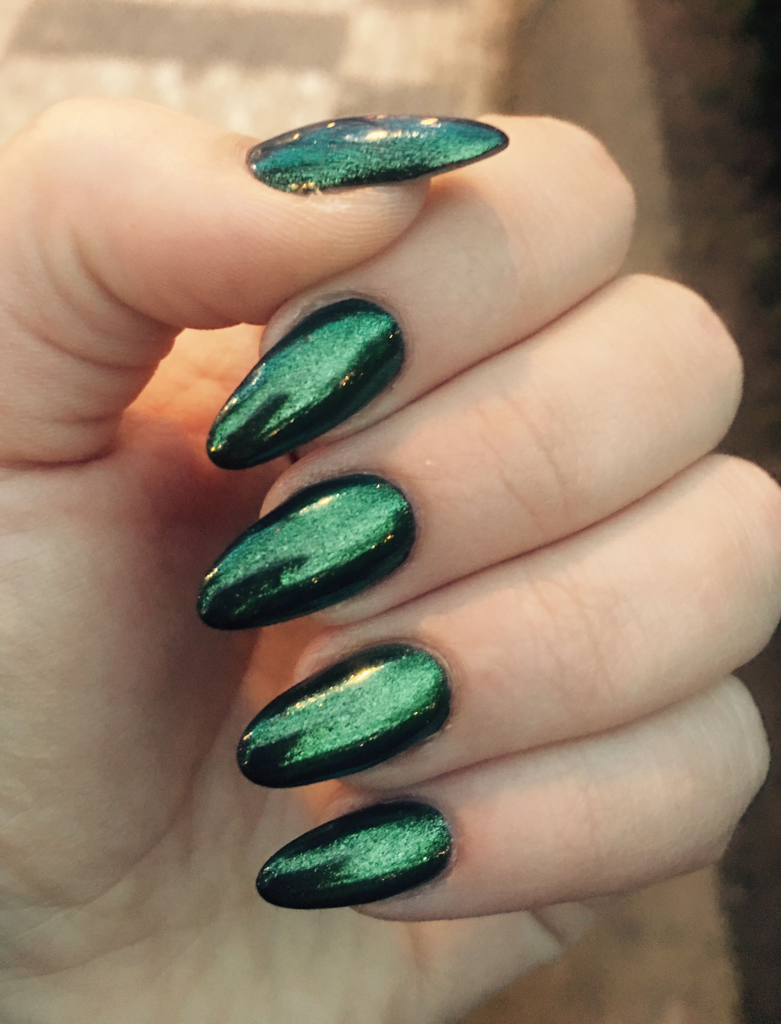 Green almond nails 2017