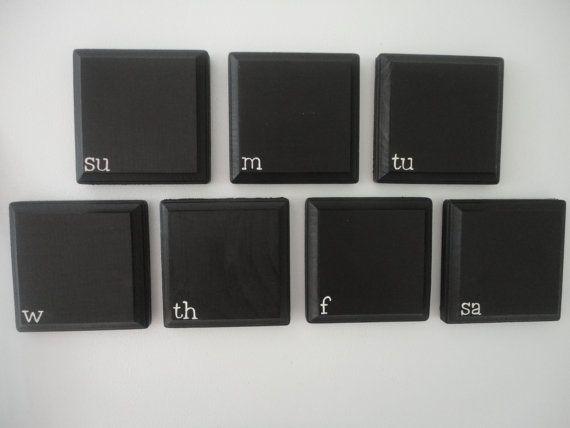 magnetische tafel kalender schwarz mit wei er schrift pinboards pinterest tafel. Black Bedroom Furniture Sets. Home Design Ideas
