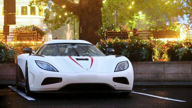 40 Best And Beautiful Car Wallpapers For Your Desktop Mobile And Tablet Hd In 2020 Beautiful Cars Koenigsegg Car