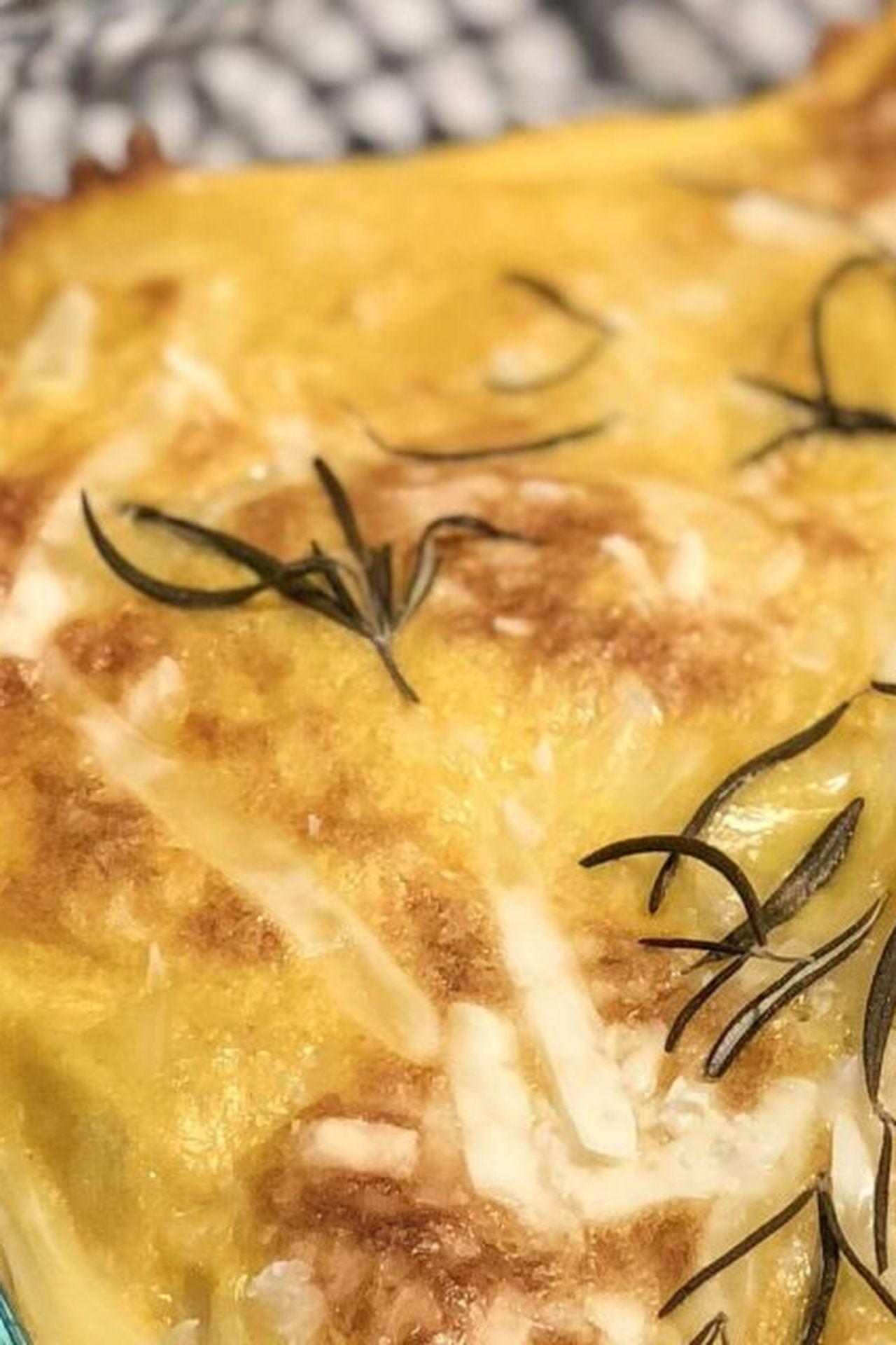 Cheesy Vegan Potato Bake