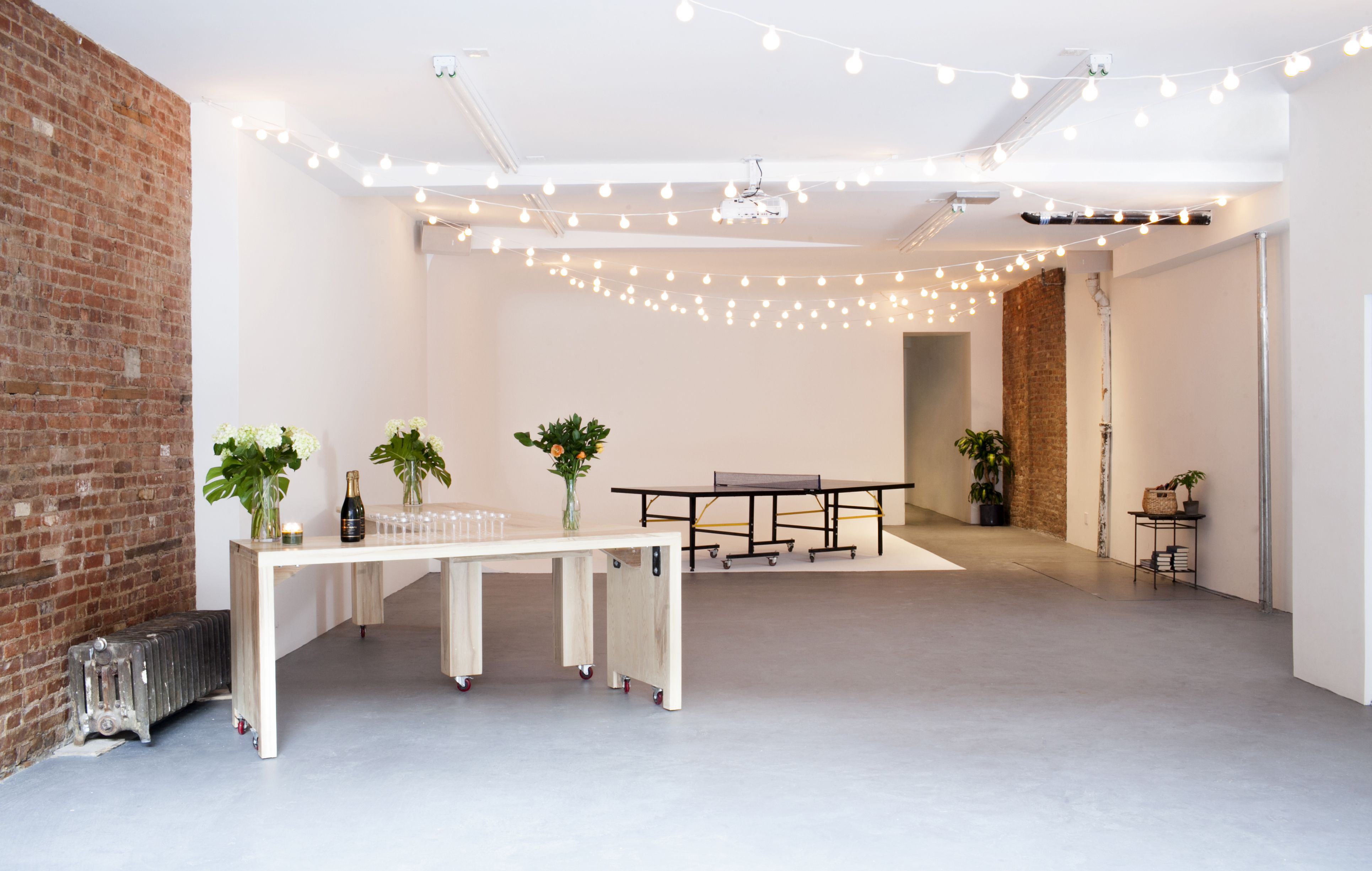 Ludlow Studios in NYC. Pop up shop, Private dining room