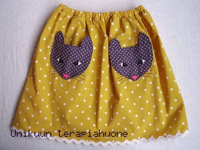 Pockets full of cats skirt by Unikuun terapiahuone #unikuu #terapiahuone #ompelu