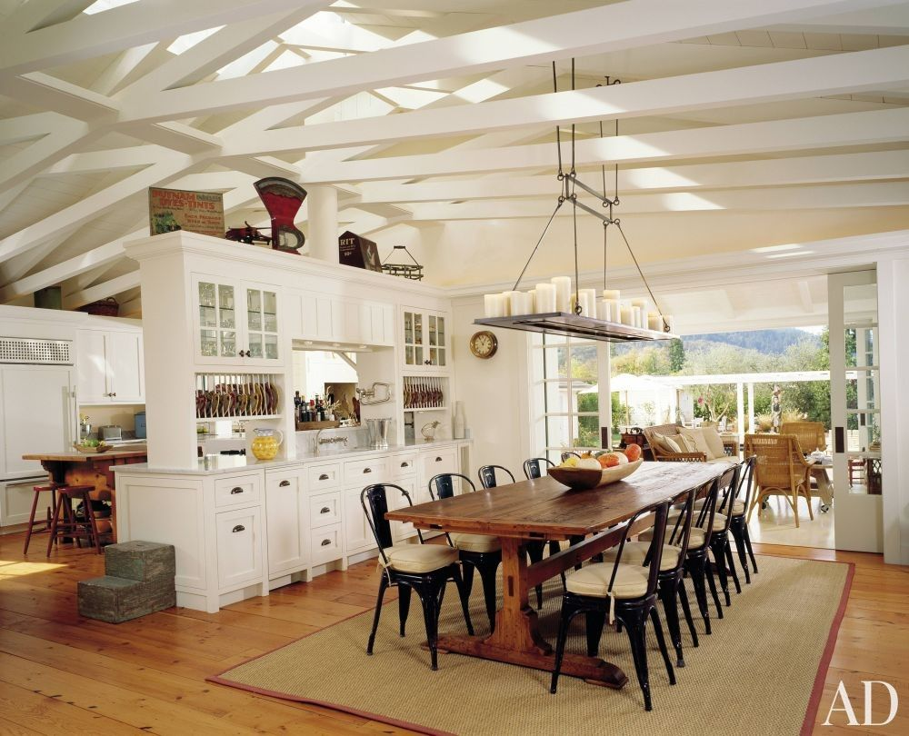 Rustic Dining Room and Backen, Gillam & Kroeger Architects in St. Helena, California