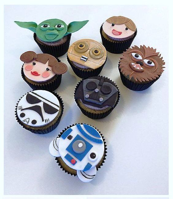 #NationalCupcakeWeek Far be it from me not to take advantage of a trending topic when I can make it about #StarWars