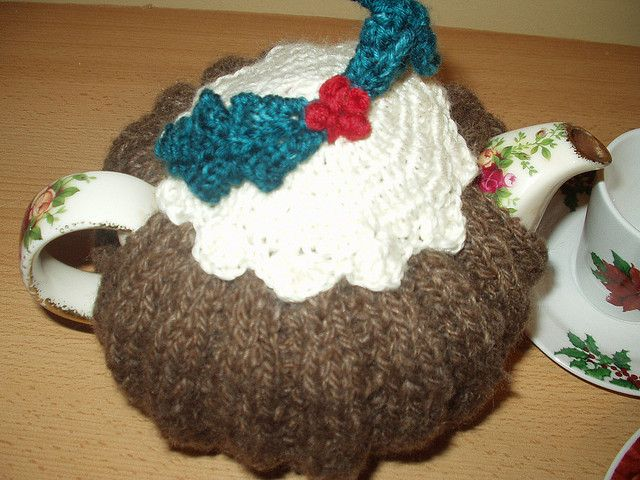 Free Pattern For Knitted Christmas Pudding Tea Cozy Knitting And