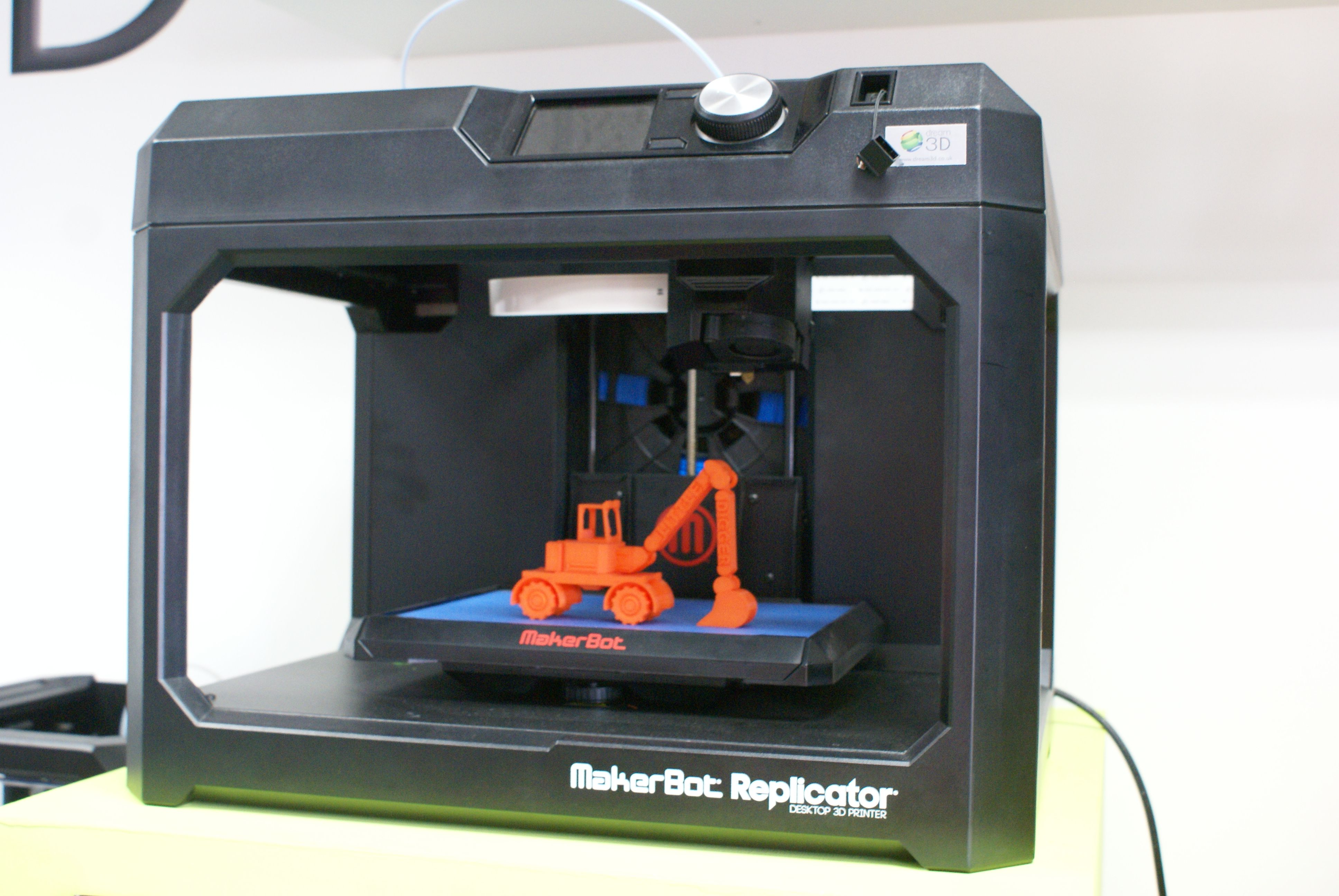 MakerBot Replicator (5th Gen)  Key Features: 3 5 inch Full Colour