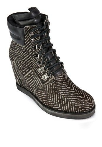 Lace Up Inner Wedge Boots from House of Avenues in black_1