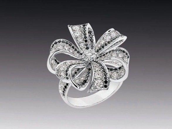 Pretty Chanel ring