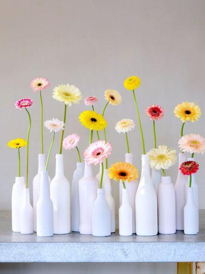 12 Kreasi Pot Bunga Dari Botol Bekas Yang Gampang Dibuat Teman Kreasi Pot Bunga Dekor Bunga