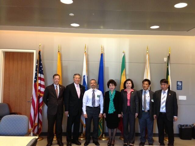 Thailand Attorney General officials visit LASD's Crime Lab
