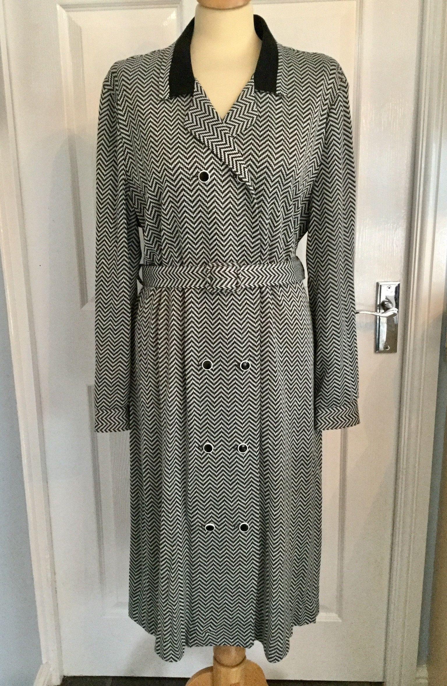 Alexa Vintage Retro Size 22 Dress 80s Black White Etsy Size 22 Dresses Dresses 80s Dress