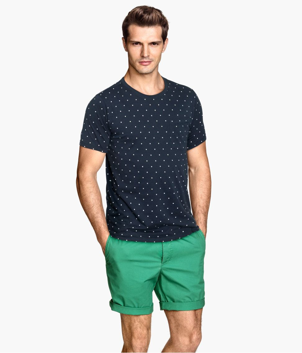 dark blue shorts outfit mens