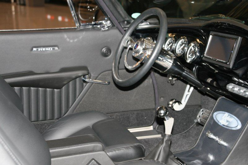 Hip joint for shift lever
