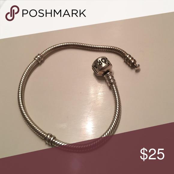 Who Sells Pandora Jewelry: Pandora Bracelet