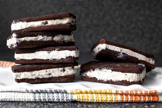 Homemade Ice Cream Sandwiches / Smitten Kitchen