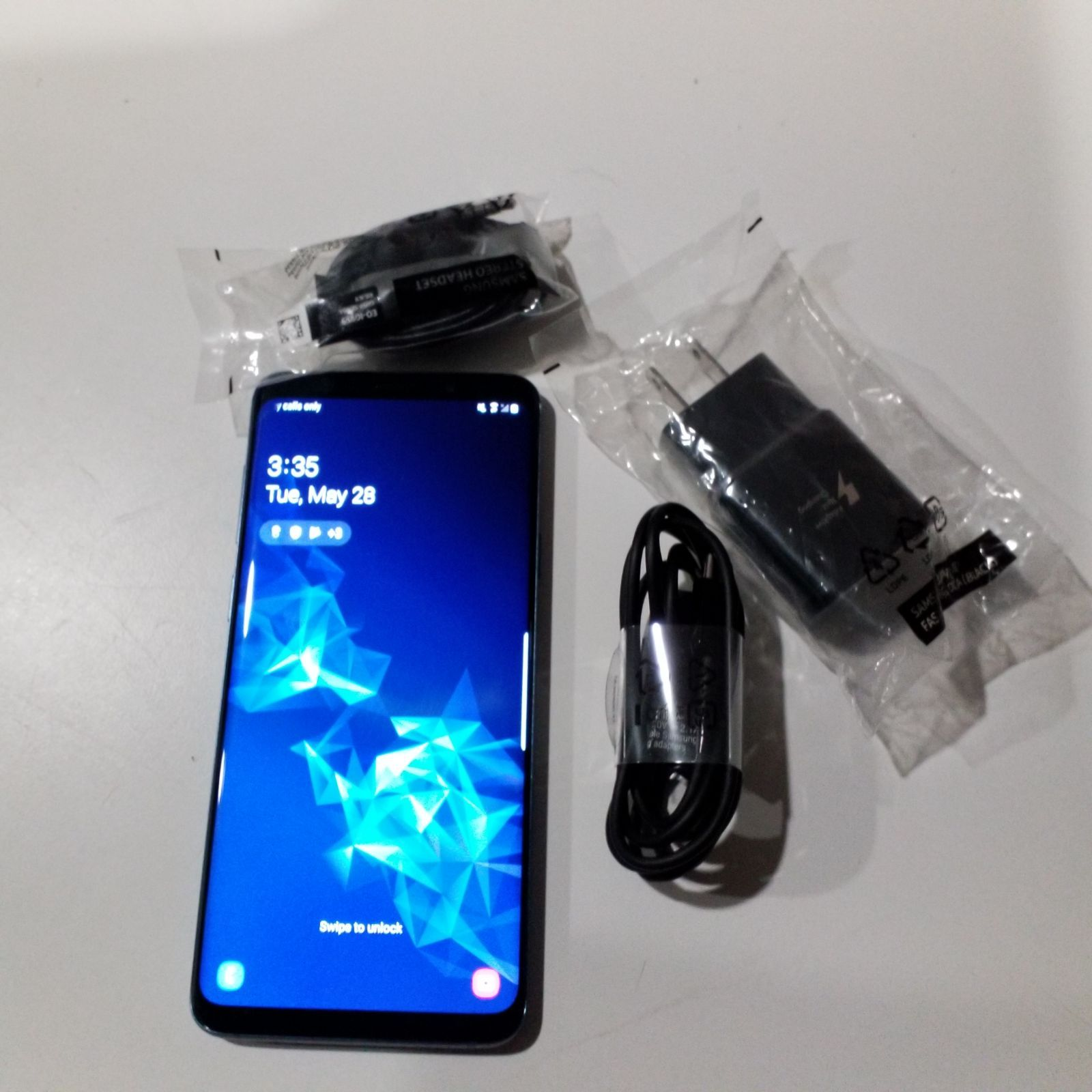 Samsung Galaxy S9 Plus 64 Gb Blue Like New Conditions Unlocked Come With Charger Cable Wall Adapter And Samsung Galaxy S9 Samsung Samsung Galaxy