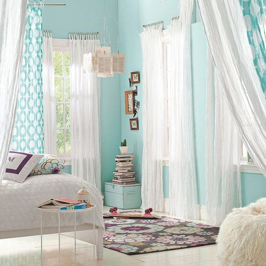 Calming Colors That Will Perfect Your Home: Aqua Walls, It's So Calm And Fresh! WHite Curtains Are