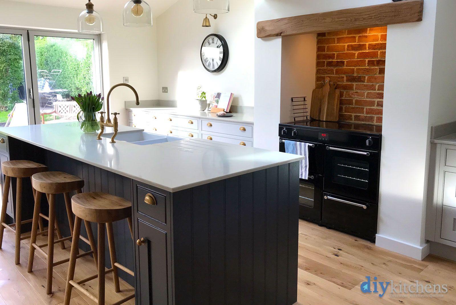 An Innova Helmsley Dove Grey Inframe Kitchen Inframe