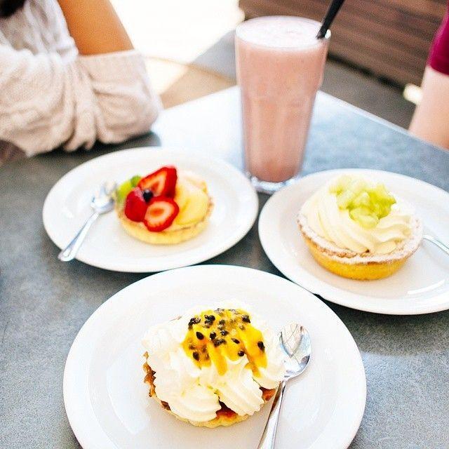 Goodness gracious, these desserts from @dobinsonsbakery in Canberra's city centre looks divine! Photo: Instagrammer @martinomaras #visitcanberra #restaurantaustralia