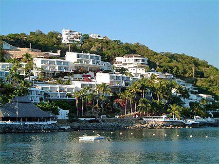 Dolphin Cove Inn a #Manzanillo Hotel