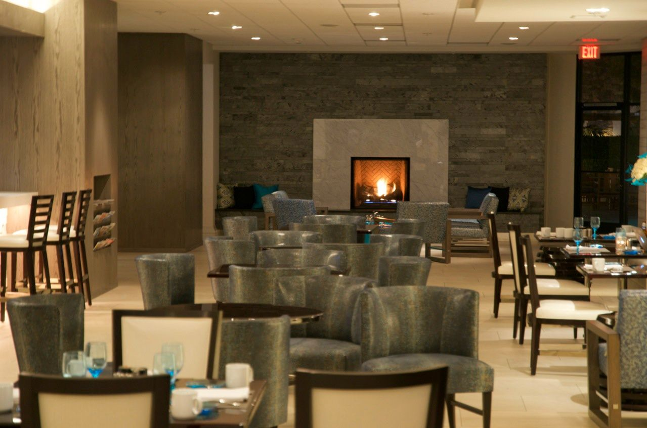 Floe Lounge In The Irvine Marriott Hotel Dining Drinks Music
