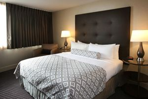 Crowne Plaza Syracuse Hotel Hotels Near University