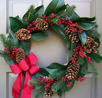 Holiday Magnolia Wreath | guirnaldas - coronas | Pinterest ...
