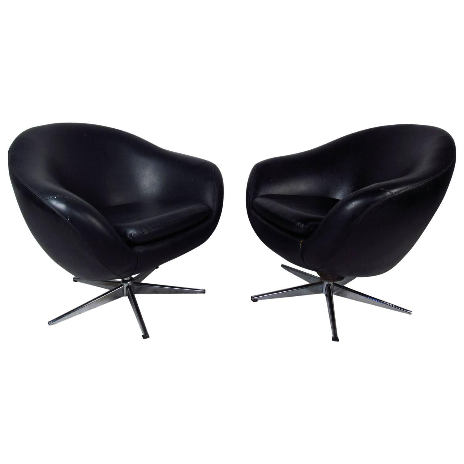 Marvelous Midcentury Pair Of Overman Pod Swivel Chairs | 1stdibs.com