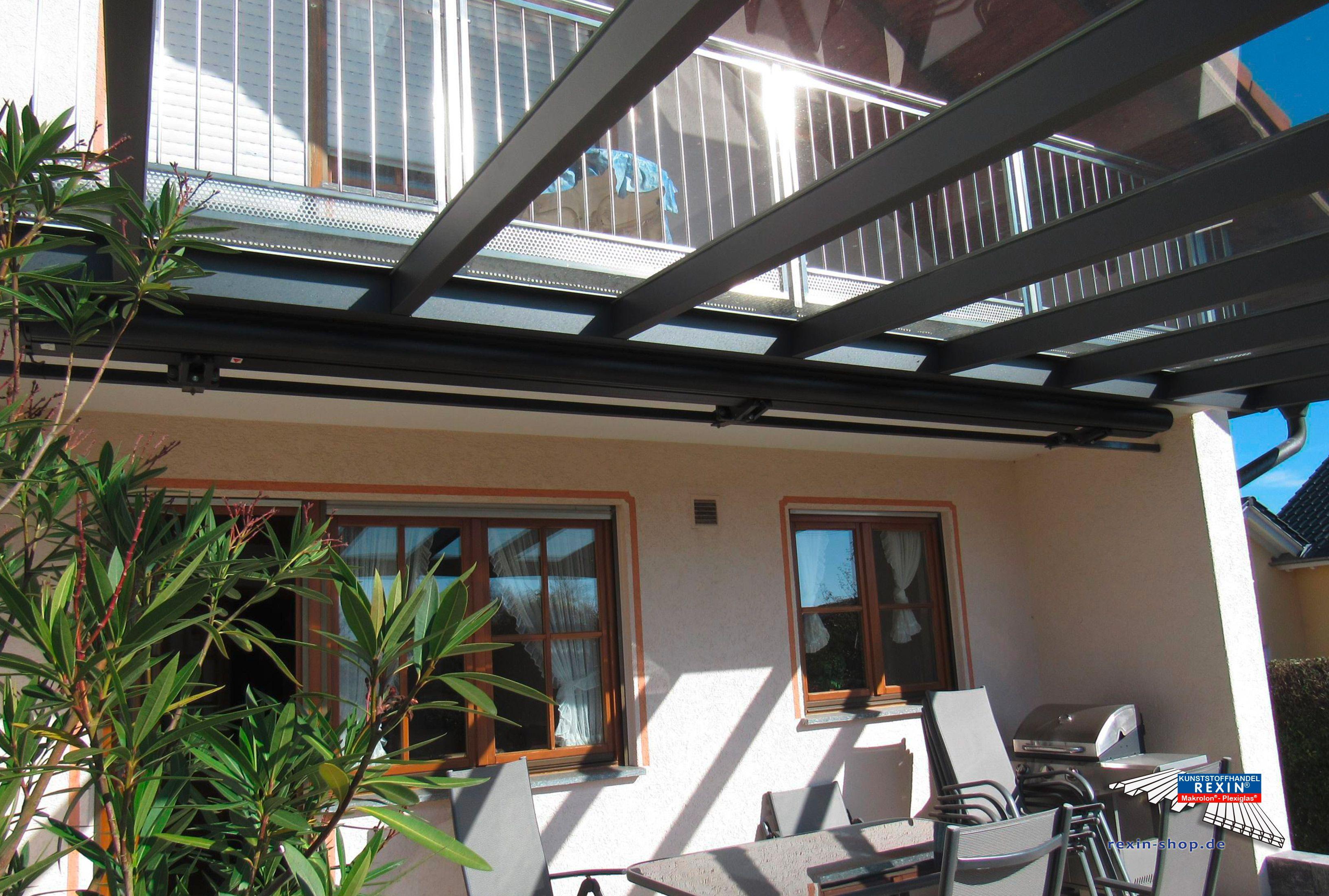 Ein AluTerrassendach der Marke REXOpremium anthrazit 6m x