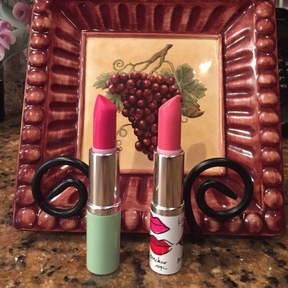 Clinique lipsticks Matte Magenta & Matte Petal Clinique lipstick in Matte Petal and Matte Magenta. Clinique Makeup