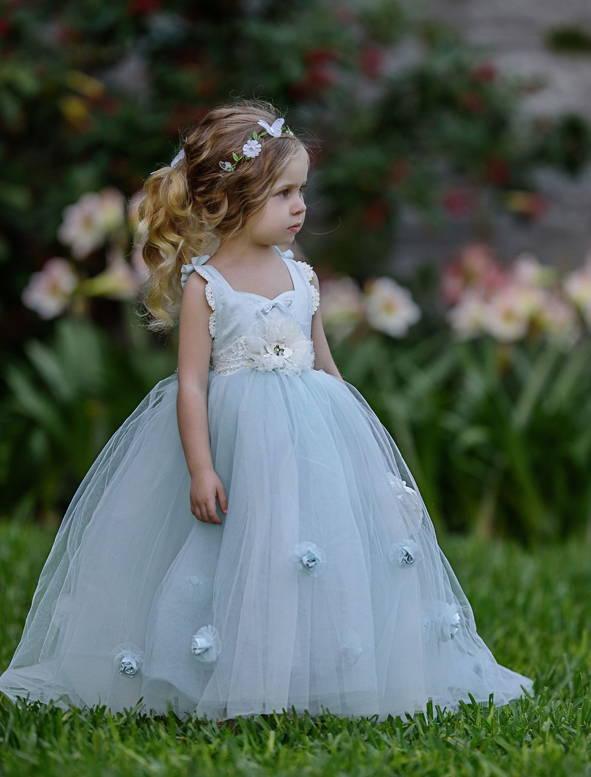 Need a flower girl dress for a wedding? Your little girl will look ...