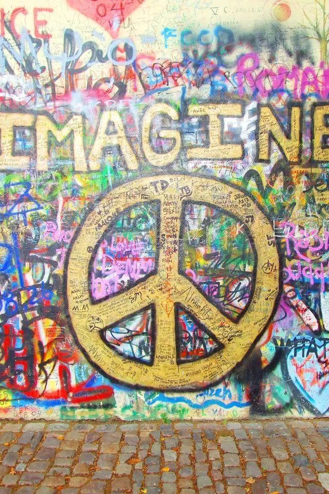 Wall graffiti iPhone 4s Wallpaper http//www