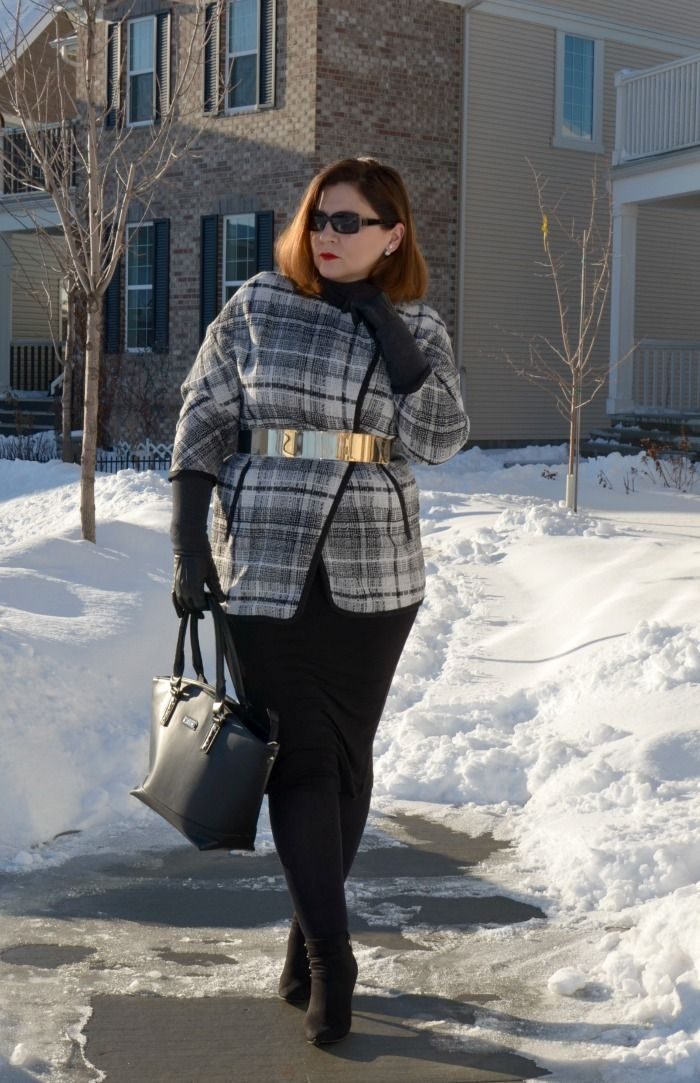 March and May- black and white outfit, curvy fashion blogger,