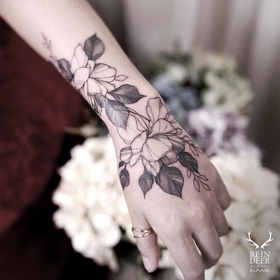 b9abe08f30ec6 Wrist Hand Tattoo, Flower Tattoo Hand, Hand Tattoos Girl, Flower Tattoo  Designs,