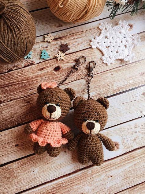 Llavero de ganchillo / llavero hecho a mano / accesorios de bolsa / animales Amigurumi / animales del bosque / llavero pequeño / oso bebé / Plushie / regalo de bebé / juguete hecho a mano