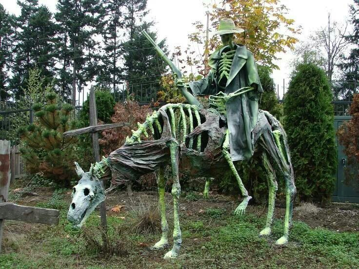 This would be fun to have in the yard Ha!!ow33n Pinterest - halloween decorations ideas yard