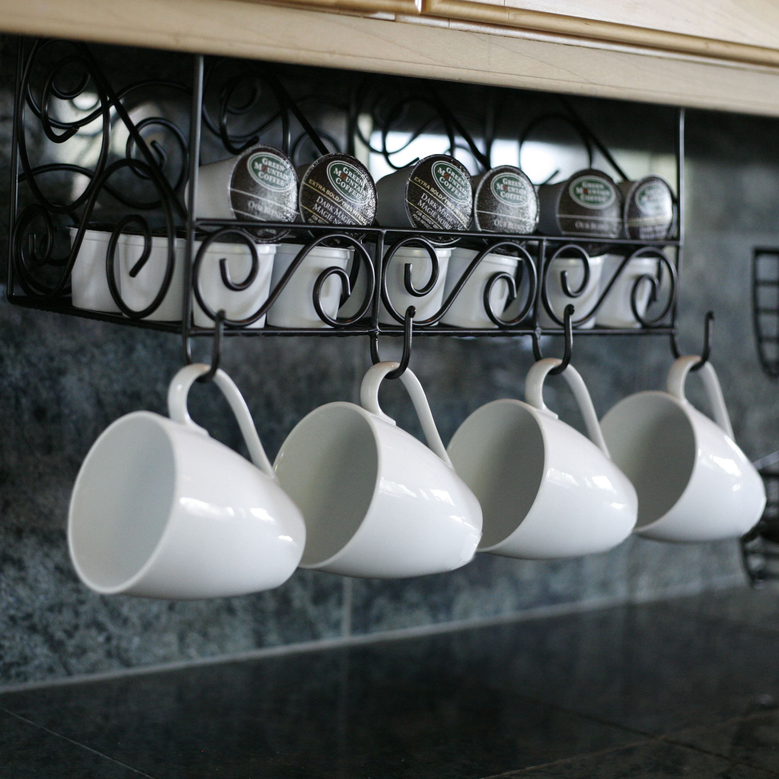 Shelf Holder And Coffee Mugs Hanging