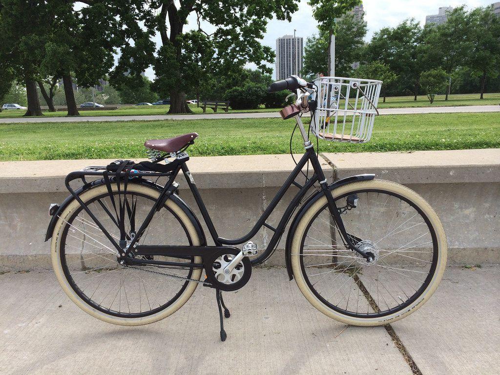 Bicicleta clasica #Pilen con cesta delantera Brooks Hoxton  www.avantum.bike/pilen