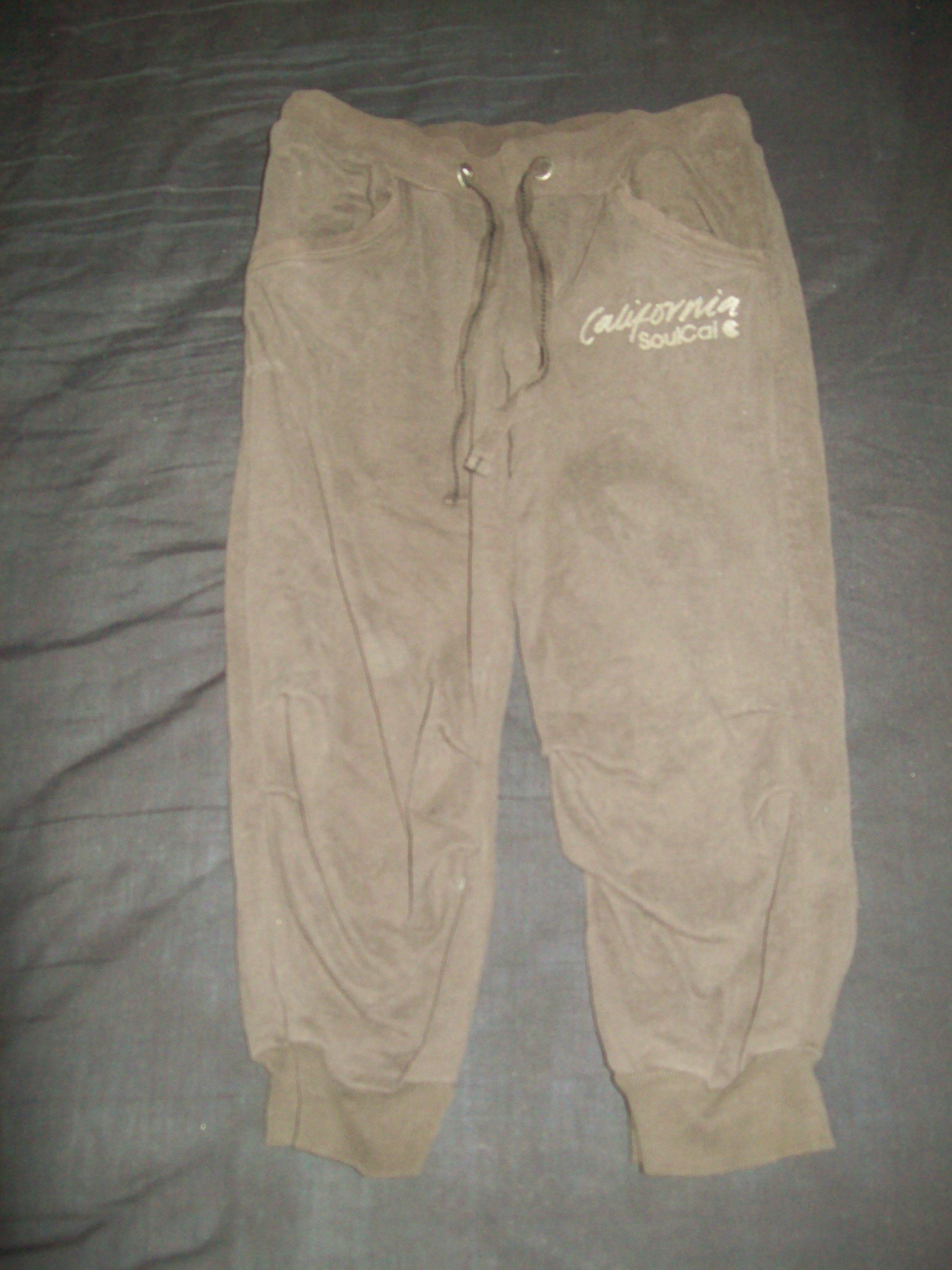 Women's brown cropped jogging style trousers in good used condition £2.50