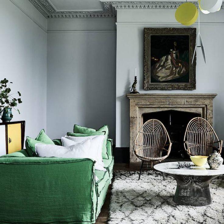 51 rustic farmhouse living room decor ideas  green sofa