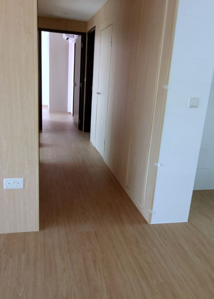 Evo Herf Is An Attractive Alternative To Other Floor Coverings For Its Quiet Underfoot And Versatility It Delivers The Expensive Look Of Oak Wood Create