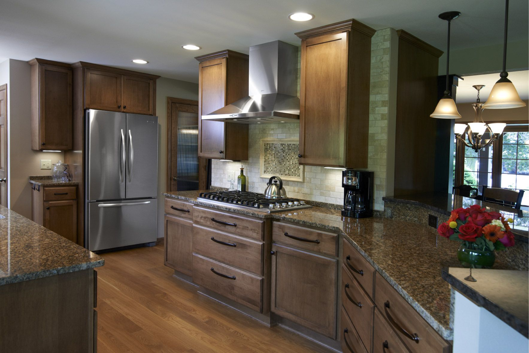 Deluxe Series Door Style Shakertown Ii Full Overlay Drawer Fronts Slab With B Profile Hei Kitchen Cabinet Manufacturers Kitchen Cabinets Kitchen Projects